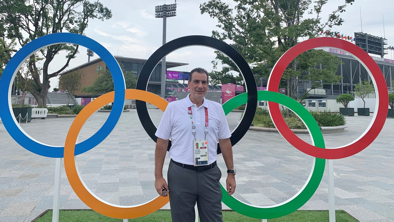 Delivery Service Partner Cesar Hirsch, who leads a logistics company for Amazon and equestrian sports at the Tokyo Olympics.