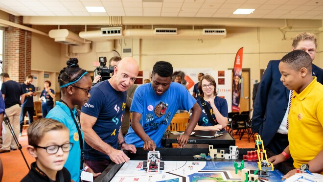 Students at Metro Nashville Public Schools enjoy a visit with Jeff Bezos as Amazon Future Engineer program announces expansion into their schools.