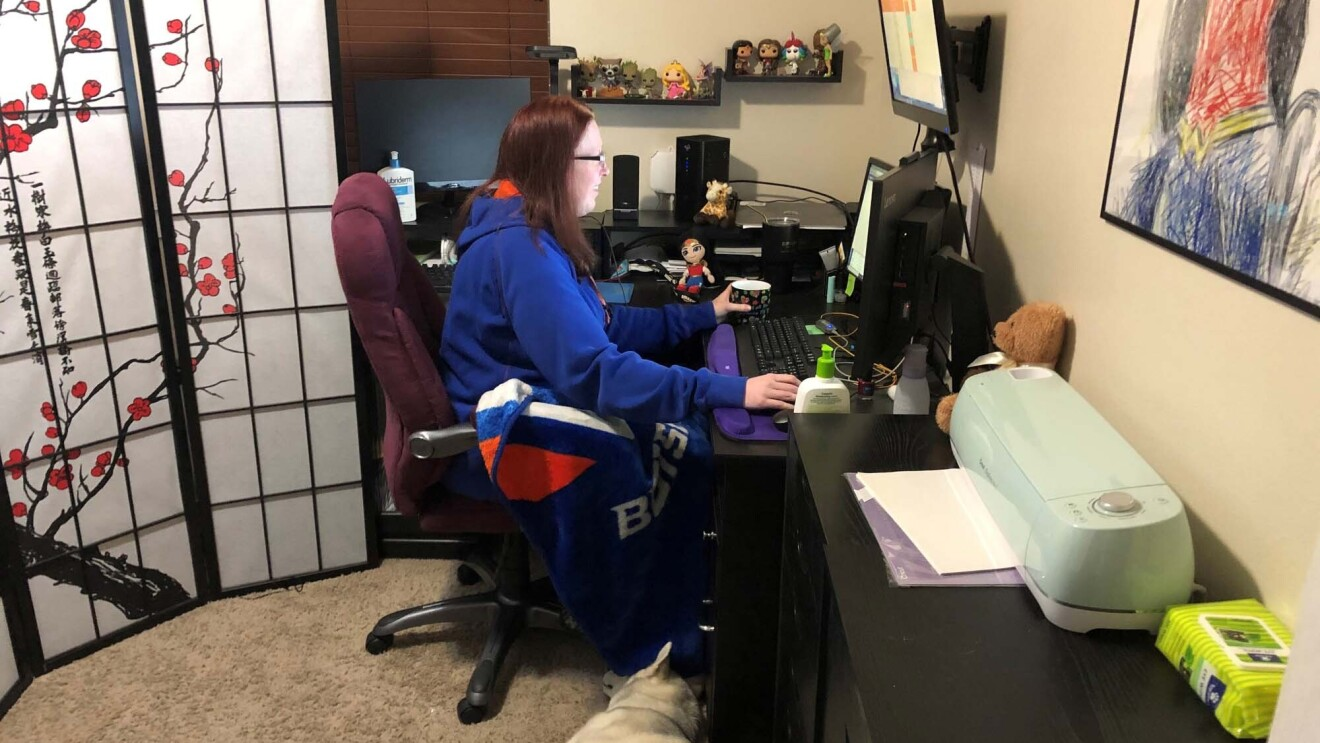 Amazon associate working from home in a virtual customer service role