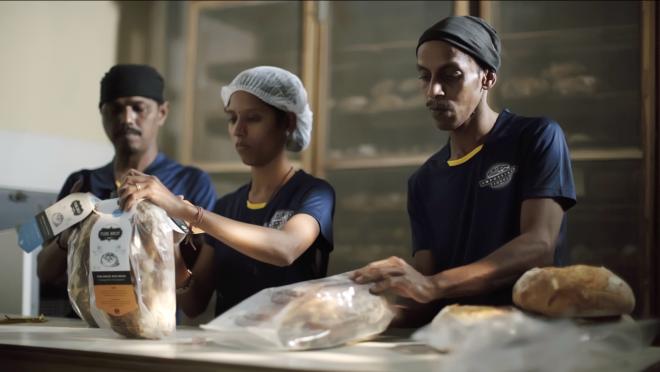 Pure Brot Amazon Business