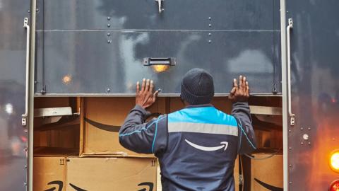 ホリデーシーズンの締めくくりに贈る、Amazonのお客様、販売事業者様の皆様、社員の皆さんへの感謝のメッセージ